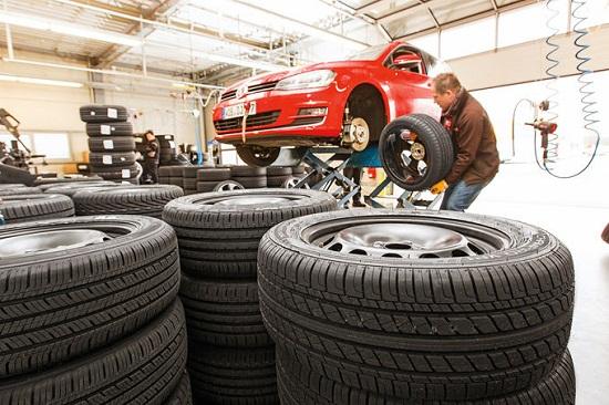 Сравнительный тест шин для легковых авто: Управляемость на мокрой поверхности Michelin Energy Saver Plus, Pirelli Cinturato P7, Premiorri Solazo, Toyo Proxes CF2, Uniroyal Rain Sport 3 205/55/16