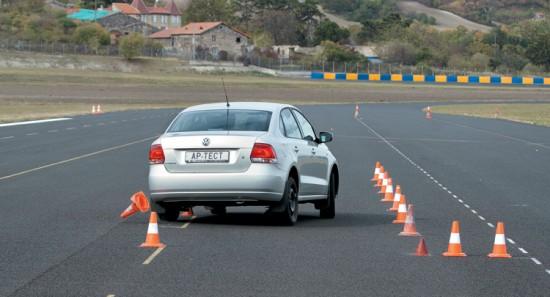 Тесты покрышки для летней погоды: Торможение на мокром асфальте Bridgestone Ecopia EP100A, Continental ContiEcoContact 5, Federal Formoza FD1 185/60 R15 Авторевю 2012