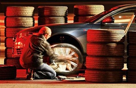 Тесты шины для летних условий: шумность Bridgestone Potenza S001, Continental ContiSportContact 5P, Dunlop SP Sport MAXX GT 235/35/19 Sport Auto 2012