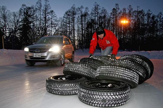 Тесты шины: Устойчивость на льду и снегу Bridgestone Blizzak LM-80 Evo, Continental ContiCrossContact Winter, Nokian WR D3 215/65 R16 Auto Bild Allrad 2013