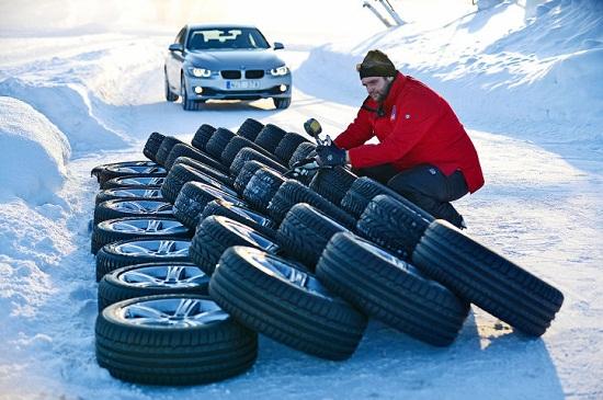 Сравнительные характеристики покрышки: Экономичность и комфорт Goodyear UltraGrip 8 Performance, Hankook Winter I*Cept Evo W310 225/50 R17 Auto Bild Sportscars 2013