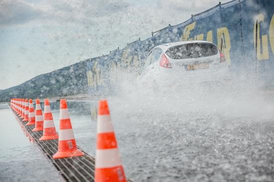 Тестирование колеса для летней погоды: Тест на устойчивость к продольному аквапланированию Barum Brillantis 2, Dunlop SP StreetResponse, Sava Perfecta 175/65 R14