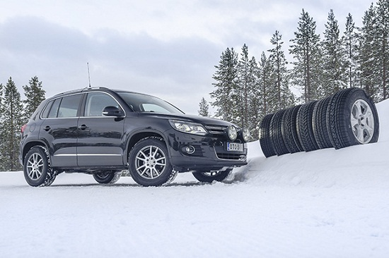 Сравнение шины: зимних Barum Polaris 3, Dunlop SP Winter Sport 3D, Kumho I Zen RV KC15 235/65 R17 Auto Bild Беларусь 2014