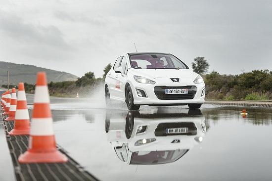 Тесты автошин для летней погоды: Расход топлива Bridgestone Ecopia EP001S, Continental ContiEcoContact 5, Dunlop Sport BluResponse 205/55 R16 L'Argus 2014