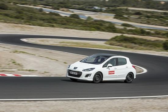 Тест шин для лета: Управляемость на сухом асфальте Bridgestone Ecopia EP001S, Continental ContiEcoContact 5, Dunlop Sport BluResponse 205/55 R16 L'Argus 2014