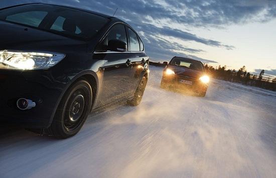 Тесты покрышки: зимних моделей Bridgestone Blizzak Spike-01, Bridgestone Blizzak WS70, Continental ContiIceContact 205/55 R16 Test World 2014