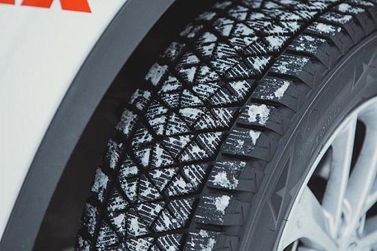 Сравнительные характеристики шины: Тормозной путь Bridgestone Blizzak DM-V2 За рулем 2014