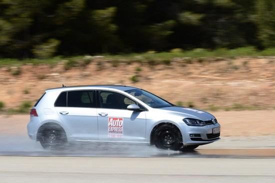 Сравнительные характеристики шины: Bridgestone Turanza T001, Continental ContiPremiumContact 5, Dunlop Sport BluResponse, Goodyear EfficientGrip Performance 205/55 R16 Auto Express 2014