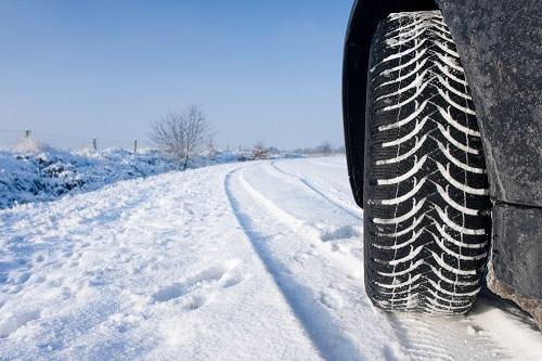 Сравнительные характеристики колеса для внедорожников: Bridgestone Blizzak DM-V2, Michelin Latitude X-Ice 2, Yokohama Ice Guard IG51v 255/55 R18 Tire Rack 2015