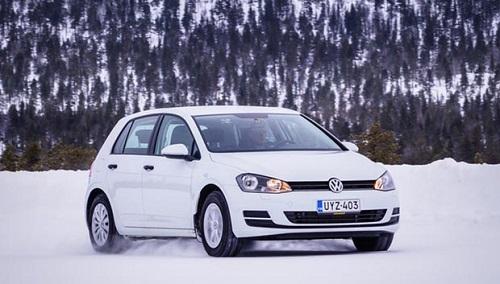 Тест драйв шины: Michelin Alpin 5, Nokian WR D4, Pirelli Winter Snowcontrol 3, Vredestein Wintrac Xtreme S 205/55 R16 Auto Bild Беларусь 2015