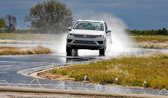 Тест колеса: Bridgestone Dueler H/P Sport, Continental ContiCrossContact UHP, Goodyear EfficientGrip SUV 225/45/17 За рулём 2016