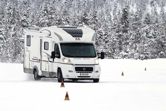 Тест покрышек: Michelin Agilis Alpin, Michelin Agilis X-Ice North 225/70 R15C Husbilen 2016