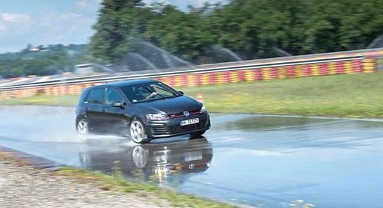 Обзор резины для летней погоды: Bridgestone Potenza RE002 Adrenalin, Continental ContiSportContact 5, Dunlop SP Sport MAXX RT 225/40 R18 evo 2015