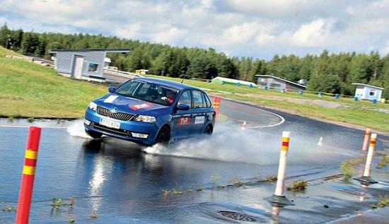 Тестирование шины для легковых авто: Nexen NBlue HD, Nokian Hakka Green 2 185/65 R15 Автоцентр 2017